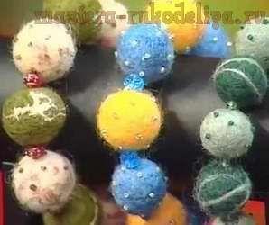 Видео мастер-класс: Валяные бусы, вышитые бисером