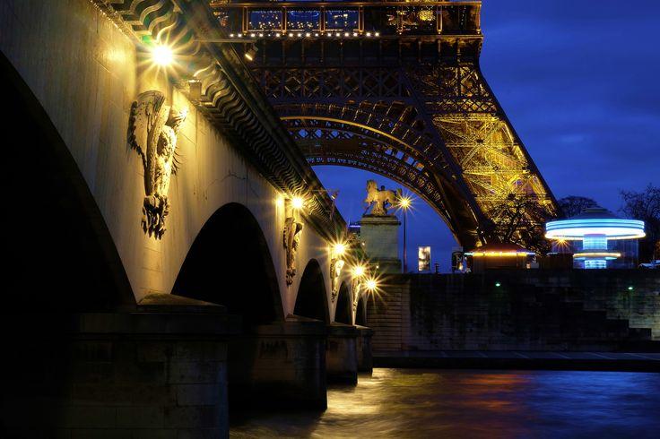 https://flic.kr/p/qqcKKo | Tour Eiffel, pont d'Iéna et manège | Tour Eiffel et caroussel depuis port Debilly.