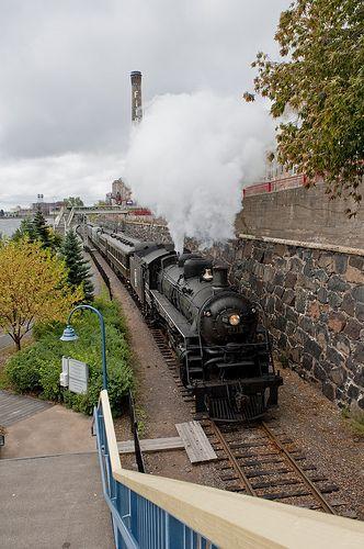 North Shore Senice RR Steam locomotive #2719