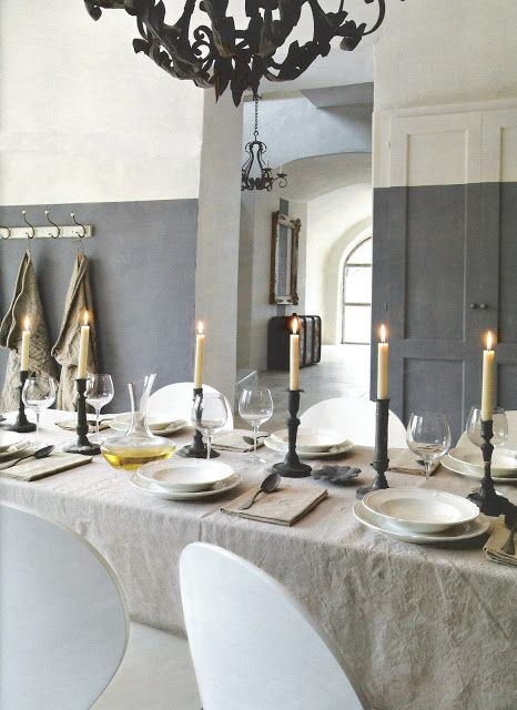 Tablesetting via Côté Sud Magazine. Perfect paint line. What do you say?