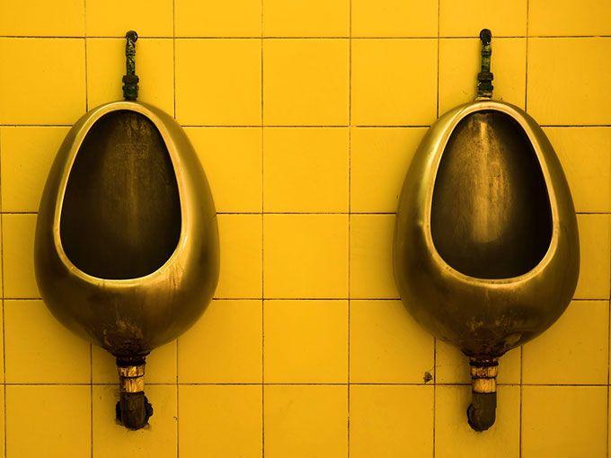 Ir a un baño público puede ser todo un reto (filas enormes de espera, baños en malas condiciones y riesgos de contraer infecciones). Por eso, este orinable desechable permitirá a las mujeres hacer pipí de pie… ¿Te atreves?La idea es de una joven francesa: Marie Cavelier, creadora de Isyloo; un orinal desechable de cartón que ya lo puedes adquirir por internet.La joven que actualmente vive en Málaga, España, lanzó este negocio por internet para facilitarnos el proceso tedioso de ir a un…