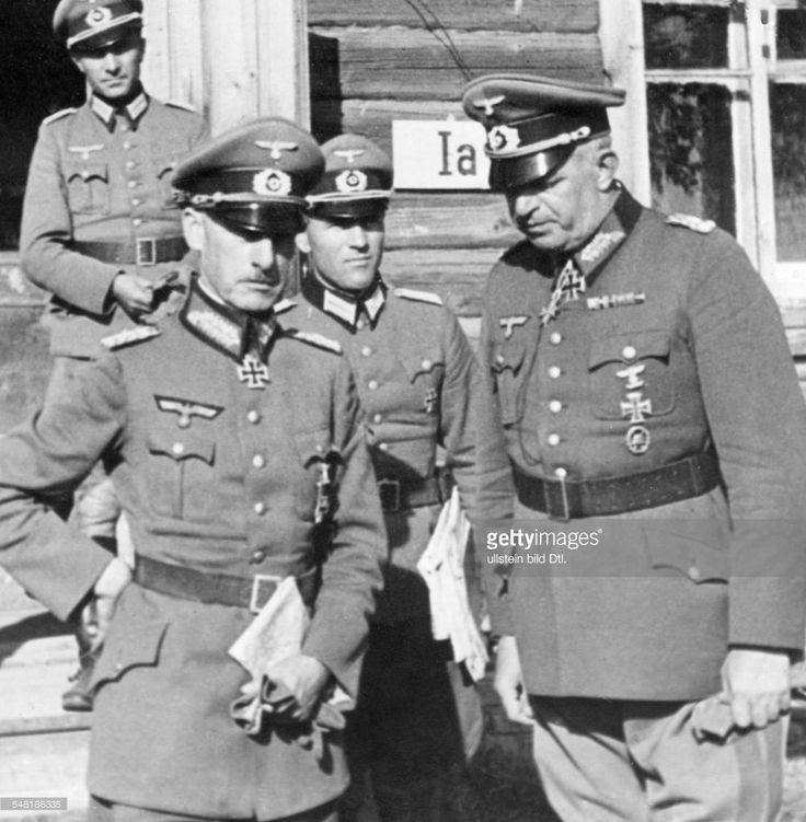 Generalfeldmarschal Wilhelm Ritter von Leeb (*05.09.1876-+29.04.1956), the commander of Army Group North (at left), speaking to the Generaloberst Ernst Bush, the commander of the 16th army of the Eastern Front - 1941.