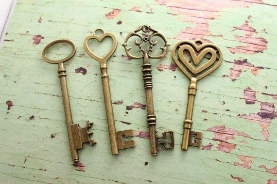 Set of 32 XL Keys Bronze Wedding Favors by PineappleSupply on Etsy, $27.50