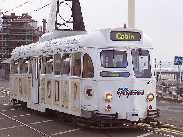 single deck tram
