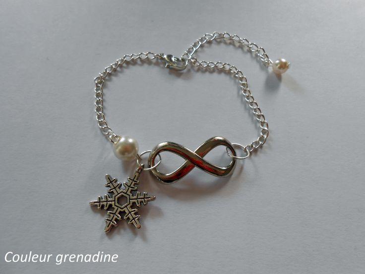 Bracelet infini argenté flocon de neige argent tibétain et perle blanche : Bracelet par couleur-grenadine33