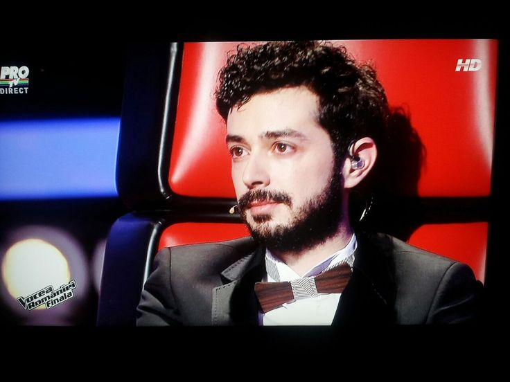 Marius Moga, the Romanian producer, composer and singer, wore our Don Marinero model in the final episode of The Voice of Romania!