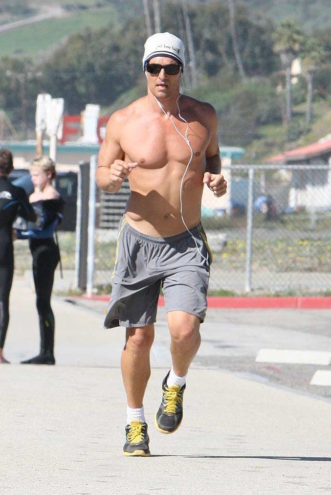 Matthew Mc Conaughey Jogging Zua | Bodies that give you ...