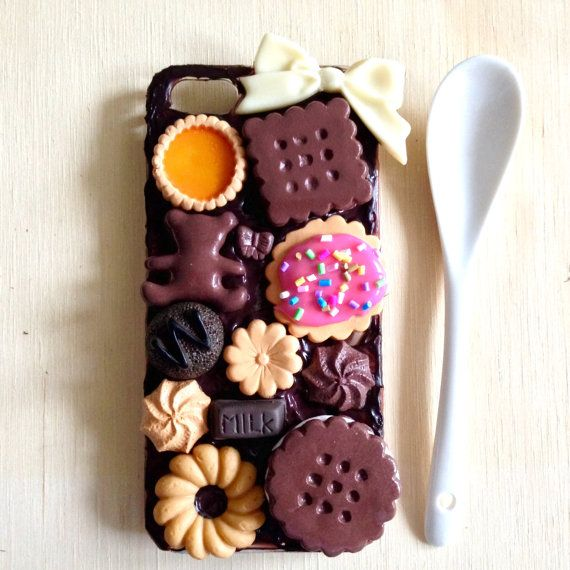 A Super Sweet Chocolate And Biscuit Cute Kawaii by PepperAndSoda #chocolate #miniature #cookie #phone #case #deco #sweetdeco