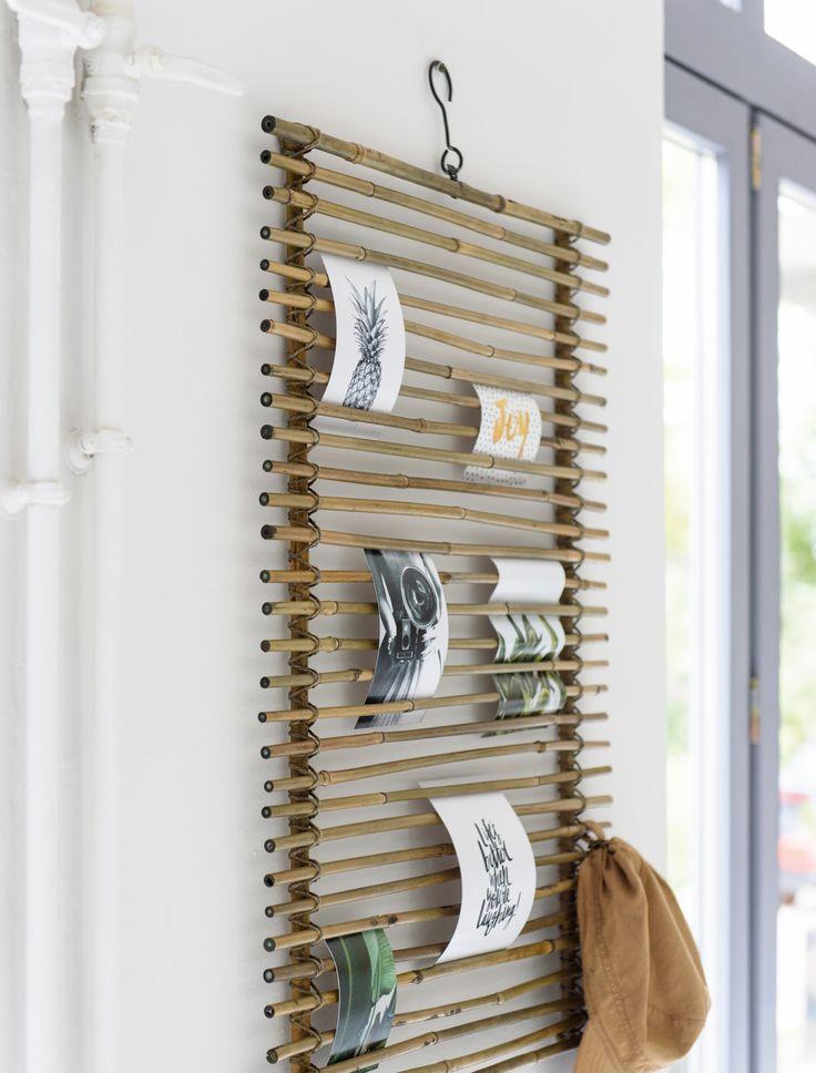 Wauw! Dit geweldige wandrek van ons eigen merk Wants&Needs is zo handig en het fleurt je interieur helemaal op! Hang je favo quotes op in dit wandrek en creëer een warme sfeer