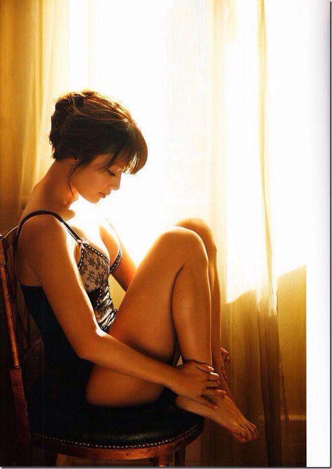 深田恭子の最新写真集「(un)touch」に収録されているランジェリー姿がセクシーすぎる : 健全なアイドル画像速報