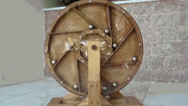 Art'einsky: Perpetual motion machine there exists [GIF]