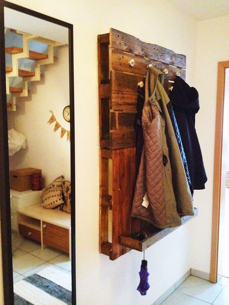 die besten 25 garderobe aus paletten ideen auf pinterest garderobe palette europalette. Black Bedroom Furniture Sets. Home Design Ideas