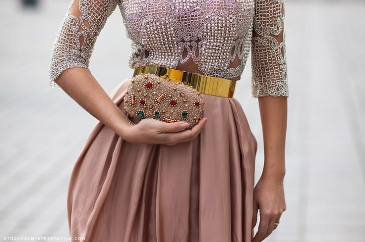 Patricia BonaldiFashion, Gold Belts, Clutches, Street Style, Metals Belts, Dusty Pink, Dusty Rose, The Dresses, Cintos Feminino