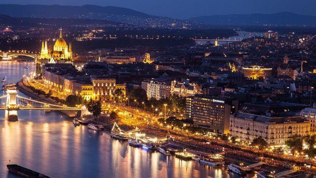 City at night 2