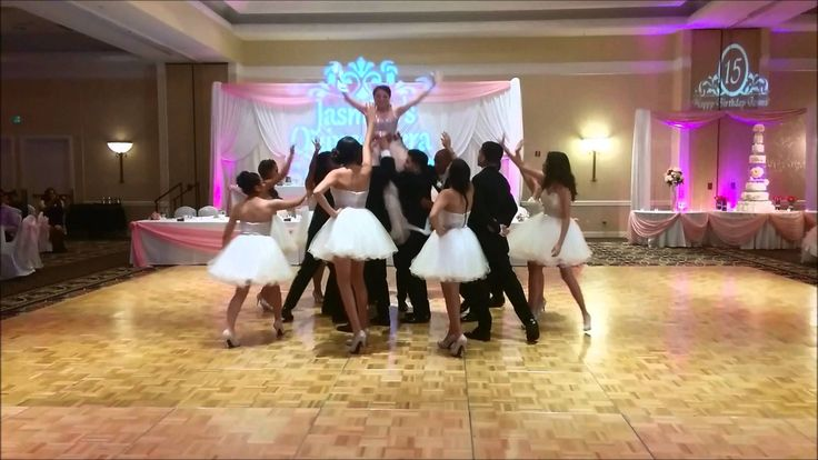 http://www.fairytaledances.com Quinceanera Waltz SONG USED: Tiempo de Vals - Chayanne FOLLOW US: http://www.instagram.com/fairytaledances https://www.faceboo...