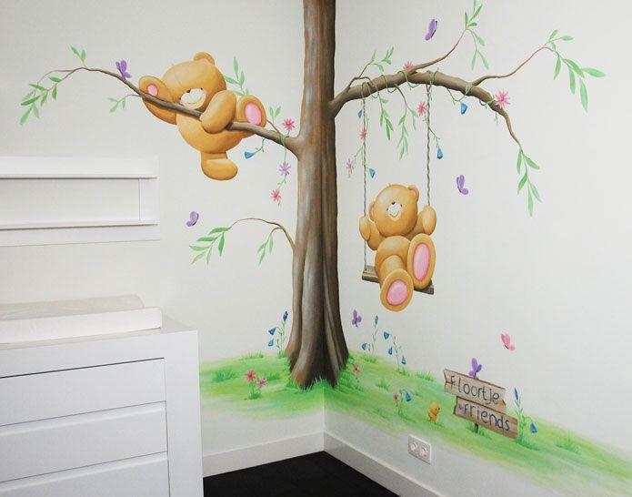 Forever Friends babykamer met boom, bloemen, vlinders en beren. nursery mural painting tree Forever Friends bears