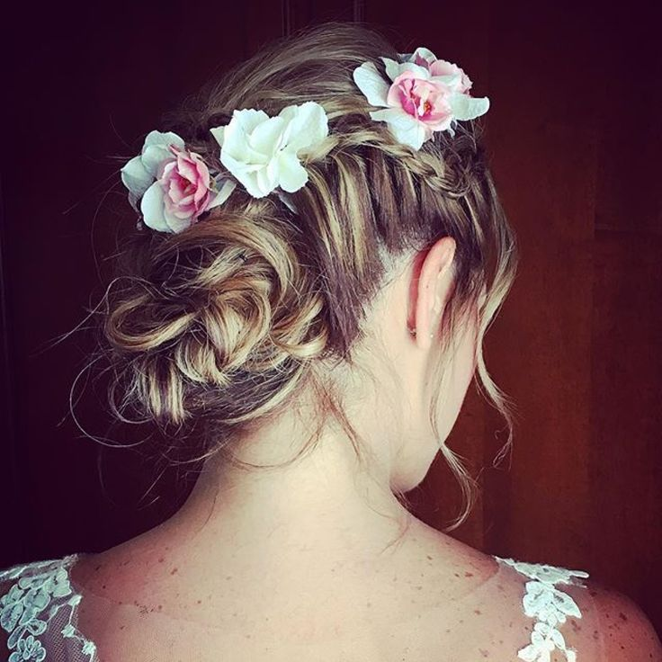 I AND MY BRIDES #workoftoday #bridal #brides#weddingday #wedding #hairforspecialevent #accessorieshandmade #personalaccessories #flowers #englishroses #personallook #brade #waves #shadowscolor #haircolor #updo #romanticstyle #imagineconsulting #ateliergp #hairengieff