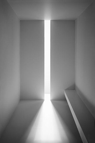 Light detail; powerful feature (John Pawson)