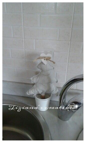 Cuore d'abetehttps://www.facebook.com/pg/tizianascreations/about/