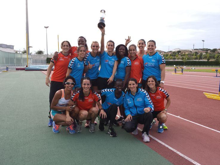 Las ganadoras de la Liga Nacional de Clubes de Atletismo de División de Honor