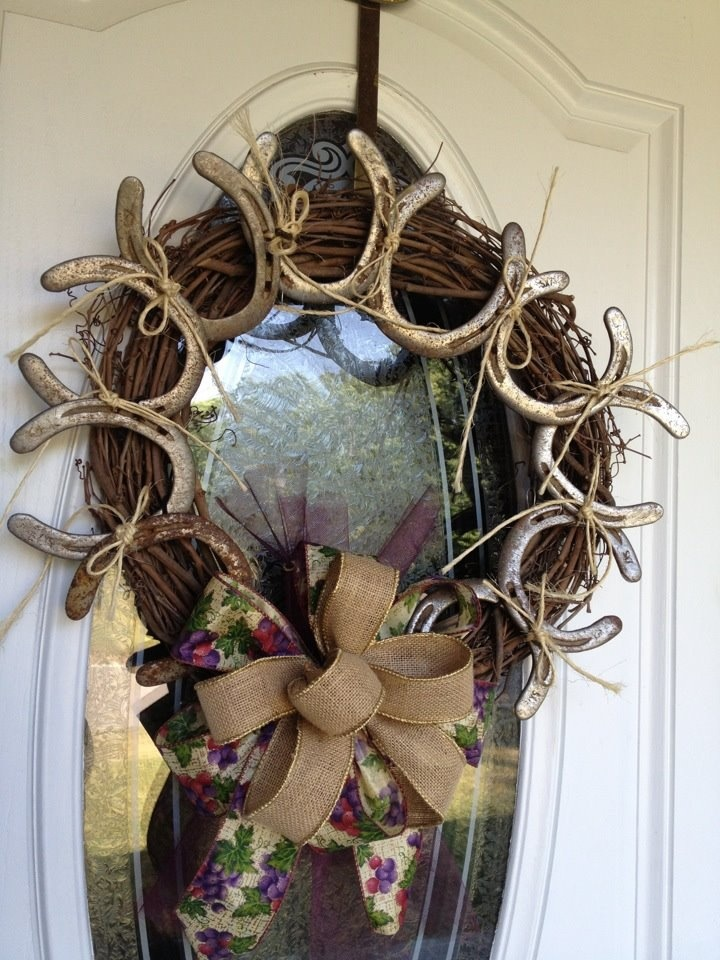 25 great ideas about horseshoe wreath on pinterest for Shoe sculpture ideas
