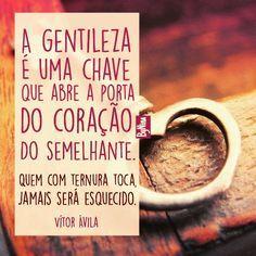 """@instabynina's photo: """"Do querido amigo e escritor @vitoravilatextosepoesias, que está de aniversário hoje! Que você continue inspirando as pessoas e seja muito feliz!!! #vitoravila #gentileza #frases #textos #pensamentos #escritores #instabynina"""""""