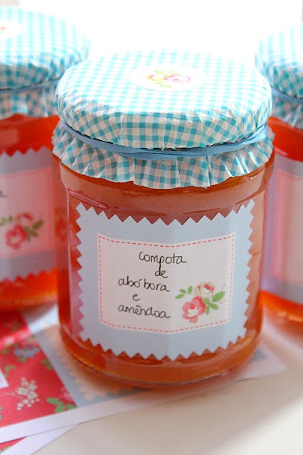 sweet jam jar using a cupcake liner!