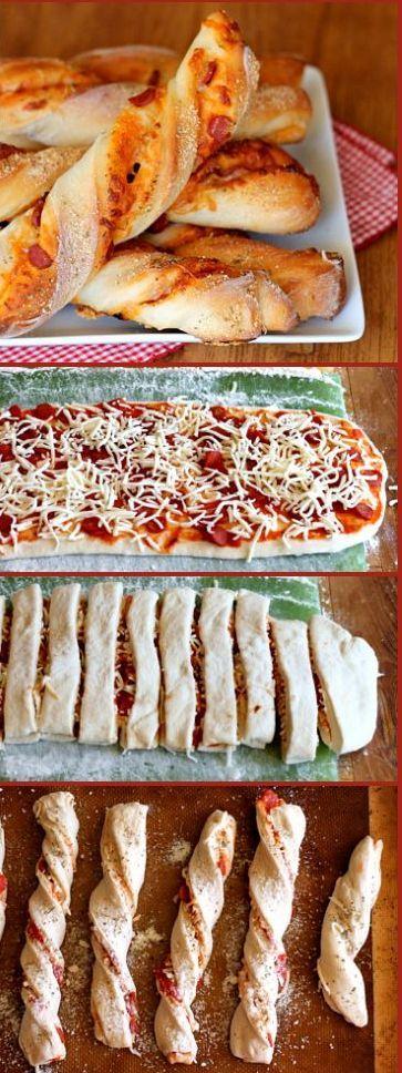 Mini al pomodoro and cheese stromboli Mini stromboli al pomodoro y queso Subido de Pinterest. http://www.isladelecturas.es/index.php/noticias/libros/835-las-aventuras-de-indiana-juana-de-jaime-fuster A la venta en AMAZON. Feliz lectura.