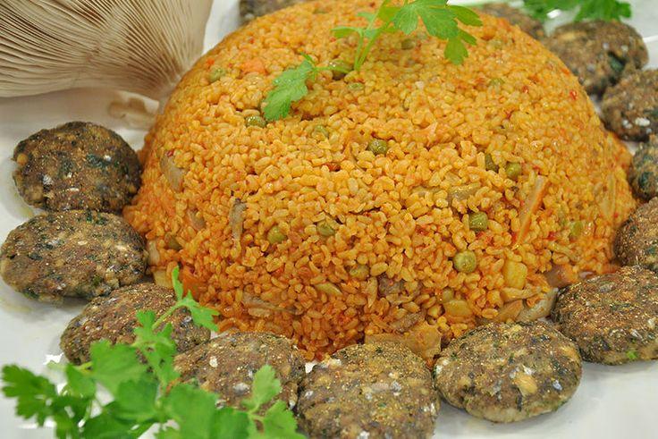 Bulgur Pilavlı #Hamsi Köftesi #pilav #yemek #tarif   http://www.kure.tv/yemek/oktay-usta-yesil-elma/galeriler/bulgur-pilavli-hamsi-koftesi/1