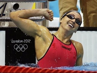 United States athlete Rebecca Soni breaks 200 Breaststroke world record again, wins gold - Swapping laps of the pool for hours in the Pacific paid off for American Rebecca Soni, as the breaststroke champion took gold in the 200 meters and broke her second world record in 24 hours.: Summer Olympics, London 2012, 2012 Olympics, Win Gold, 2012 Summer, Rebecca Sony, Olympics 2012, London Olympics, Olympics Parks