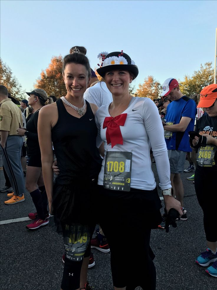 Running costumes: Audrey Hepburn, Breakfast at Tiffany's and Mary Poppins❤️