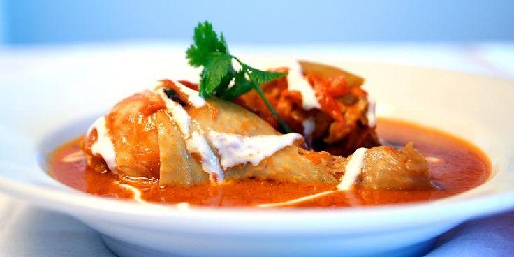 Indisk kyllingrett - Her har du en enkel, deilig og varmende variant av en indisk karrikylling. Dersom du synes det blir for sterkt, er det lurt å ha litt yoghurt for hånden. Det lindrer godt om cayennepepperen blir for utfordrende!