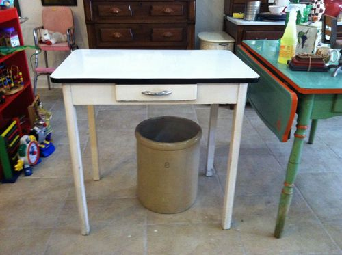 Rare White Enameled Porcelain Top Vintage Kitchen Table Memorylanevtgatyahoo Com