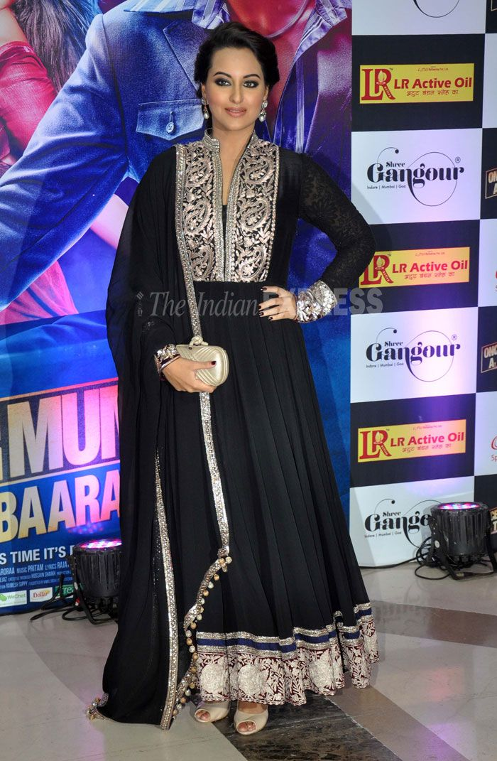 Sonakshi Sinha in Manish Malhotra Anarkali at Ekta Kapoor's Iftar  in Mumbai, Aug 07  (Photo: Varinder Chawla)