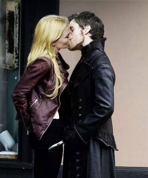 once upon a time hook kisses emma List of ouat pairing names from fanlore jump to: captain hook/emma swan: canon rumbelle master list once upon a time's fandoms (character, ship.
