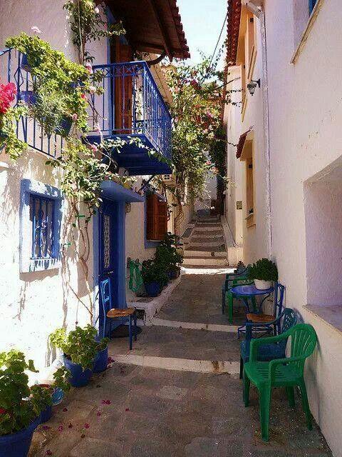 Alley in Skiathos