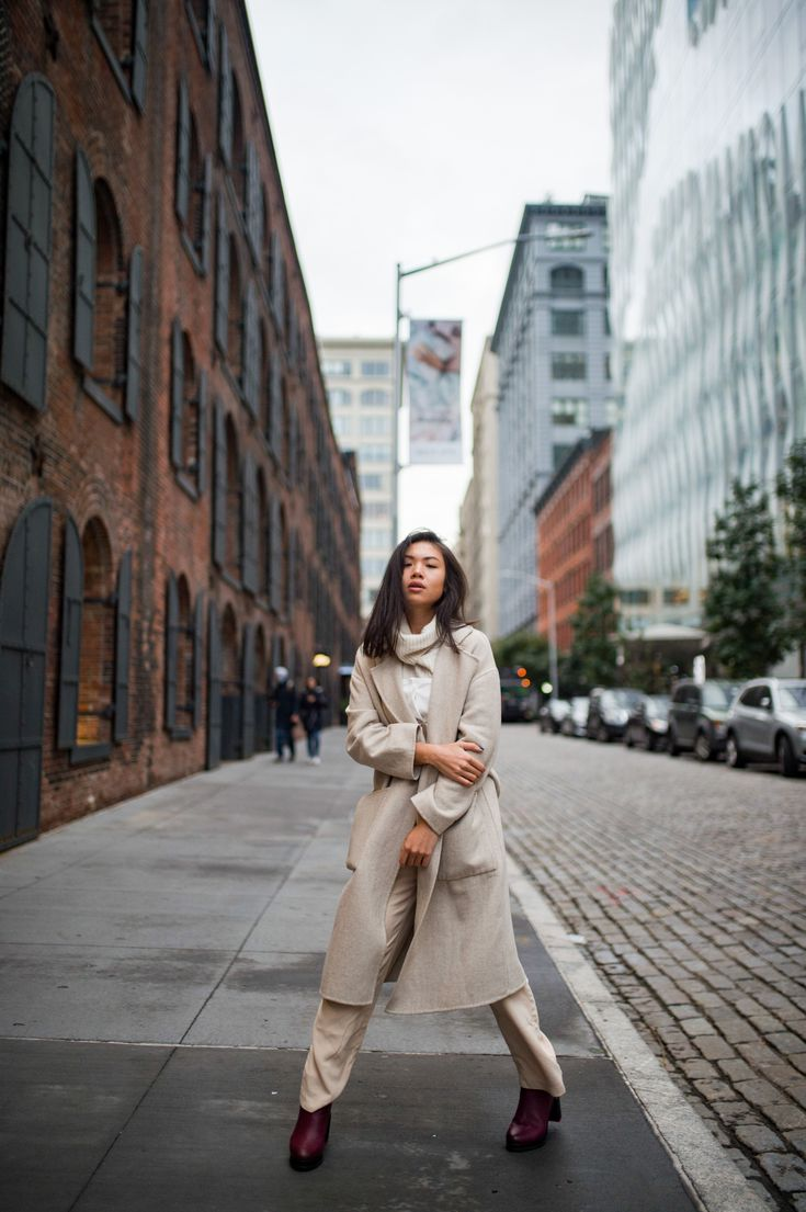Fall style | Fall city outfits NYC | Fall fashion photography | neutrals outfit fall | How to wear neutrals | All nude outfit fall | NYC blogger photo…