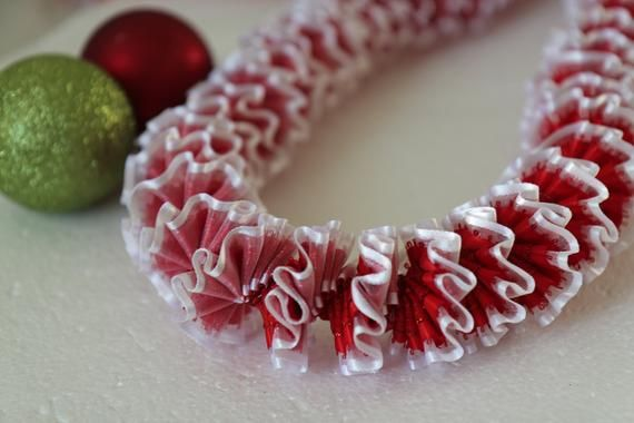 Hawaiian Ribbon Lei Red and White