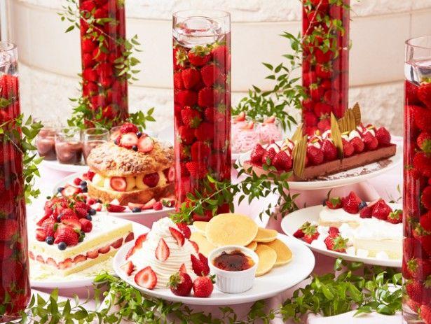 イチゴのおいしい季節が到来!福岡市内のホテルでも旬のイチゴを主役にしたブッフェが続々開催されている。そこで、福岡市内で人気のホテルブッフェを紹介。定番のショート...