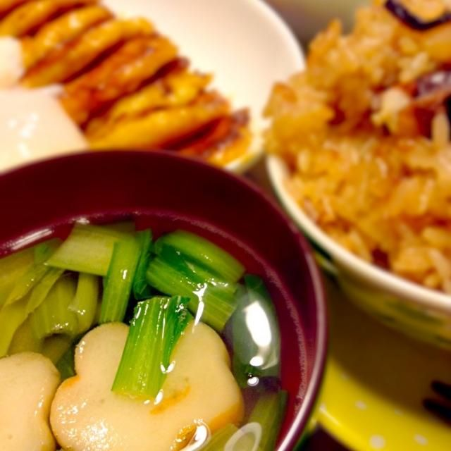 蛸めしは愛媛の松山あげとだし昆布とみりんと醤油あじ。とってもおいしい。鳥のつくねがお焼きみたいになってしまった - 6件のもぐもぐ - 蛸めしと花麸のお吸い物 by kerokeromis6o
