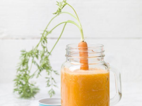 Een sapje vol ijzer en vitamine C voor extra veel energie! - Libelle Lekker!  Wortel-sinaasappel-gember