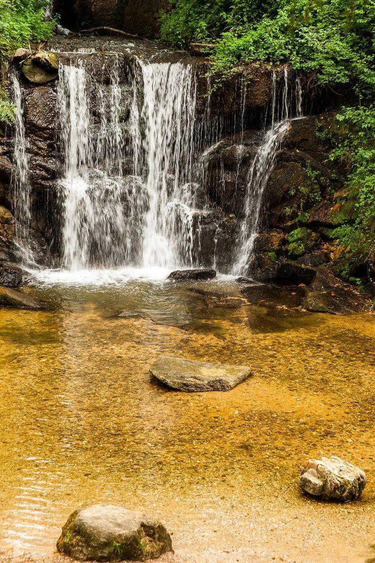www.auxsourcesducanaldumidi.com  Cascade à Saint-Ferréol #auxsourcesducanaldumidi #cascade #lac #saintferreol #revel #soreze #tarn #hautegaronne #aude © Y.Chevojon