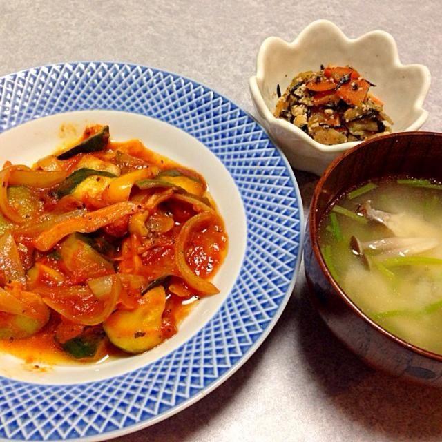 ラタトゥイユ、 味噌汁、 残り物の けんちょう大根 - 19件のもぐもぐ - 和なんだか 何なんだか? by orieueki