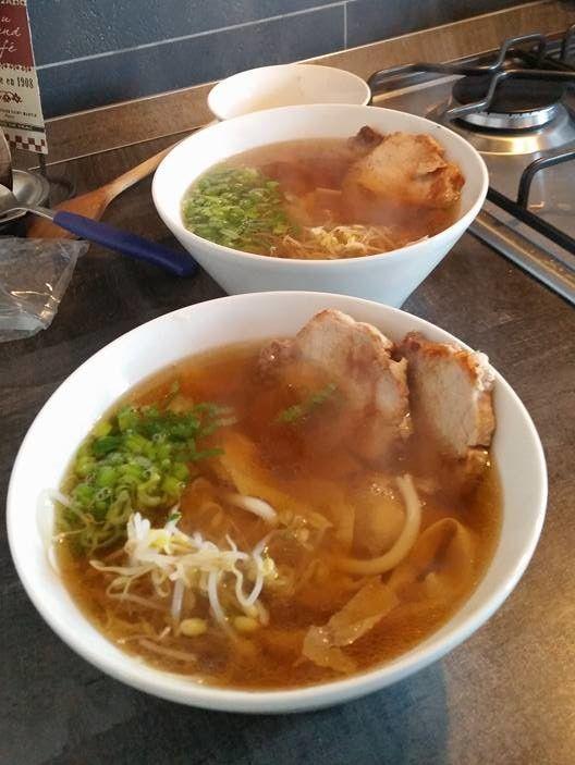 ZUPPA DI RAMEN  - Come preparare la zuppa di ramen, ingredienti per la zuppa di ramen, come preparare ricette giapponesi, ricetta facile