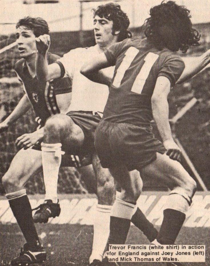 Wales 1 England 3 in May 1978 at Ninian Park. Joey Jones, Trevor Francis and Mickey Thomas in action #HomeChamp