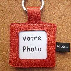 Porte clé cadre photo à personnaliser en cuir rouge nacré - fait main