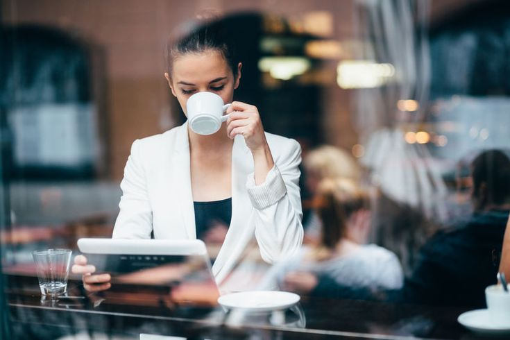 Günaydın!:) Pazartesi sendromuna iyi gelen kahvelerimizi tadın. Goodmorning!:) Tasted our coffee varieties for the Monday syndrome.
