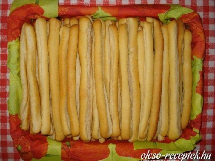 Fokhagymás kenyér rudacskák (Hungarian)