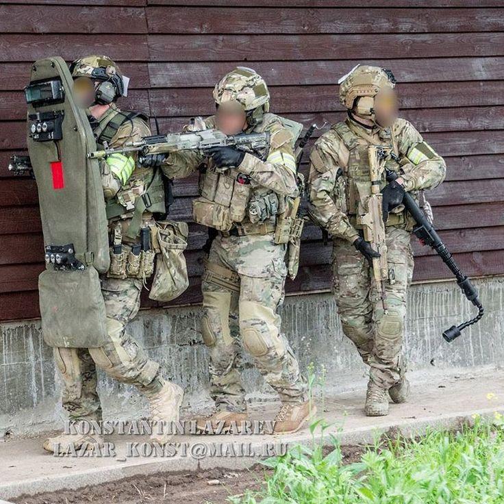 Spetsnaz FSB action shot during a competition between MVD SOBR Lynx.| Спецназ…