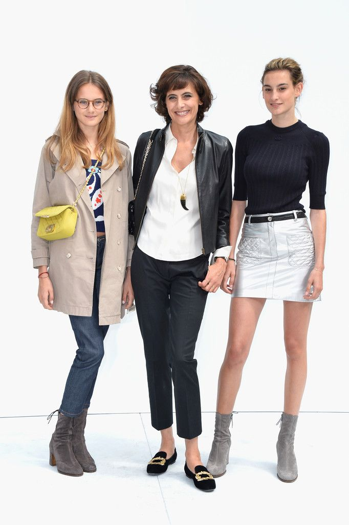 Ines de la Fressange Photos: Front Row at Chanel